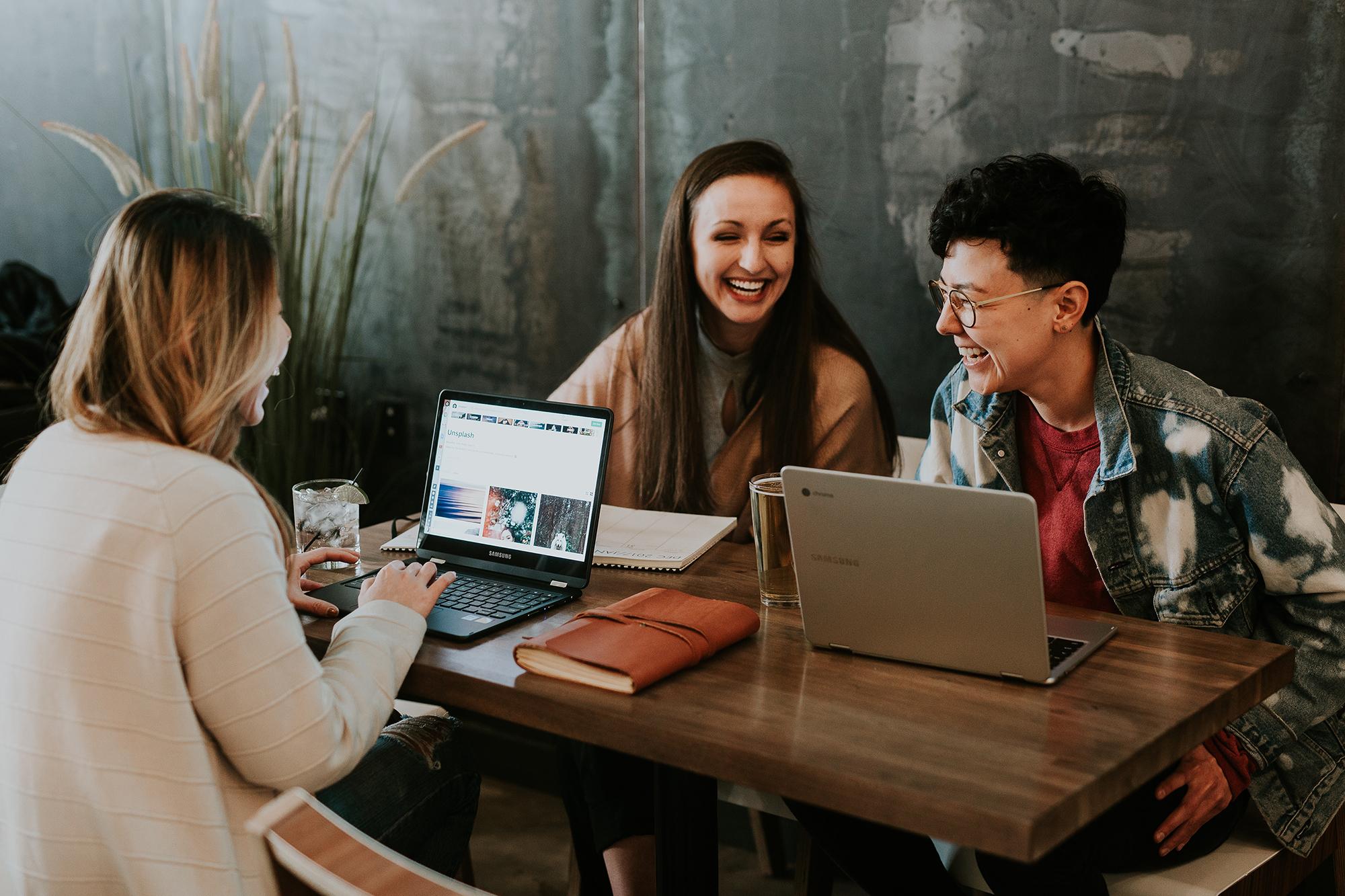 """3 maneiras de promover uma boa """"saúde social"""" em seus trabalhadores e seus negócios"""